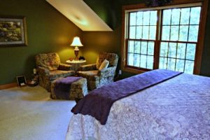 All rooms have a comfortable sitting area like this one in the Royal Fern.